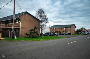 445-465 NW Spring St, Waldport, OR 97394 - both buildings