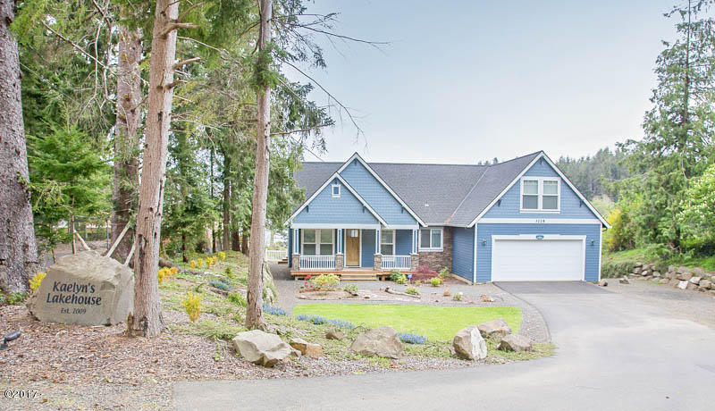3228 NE 26th Street, Lincoln City, OR 97367 - Driveway Side Exterior
