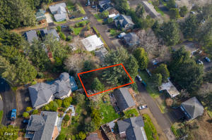 TL 9100 NE 35th Avenue, Lincoln City, OR 97367 - Lot Lines Approximate