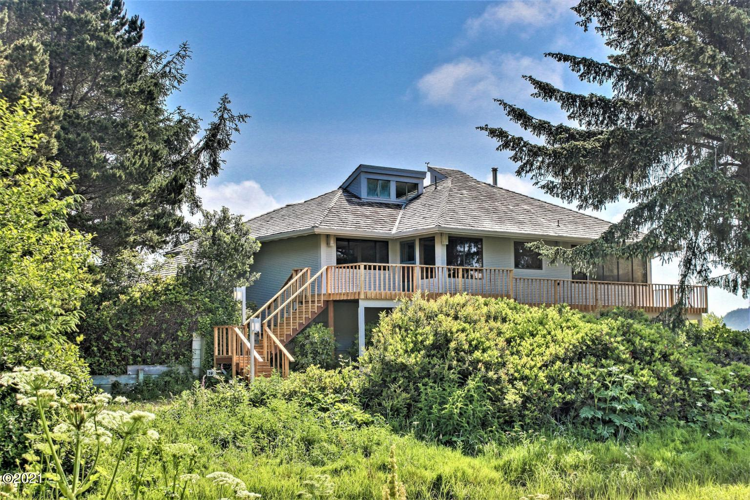 20 Sandpiper, Gleneden Beach, OR 97388 - Bay Front Home