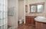 69140 Damsel Fly Ct, Sisters, OR 97759 - Master Bath - View 1 (1280x850)