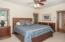 69140 Damsel Fly Ct, Sisters, OR 97759 - Master Bedroom - View 1 (1280x850)
