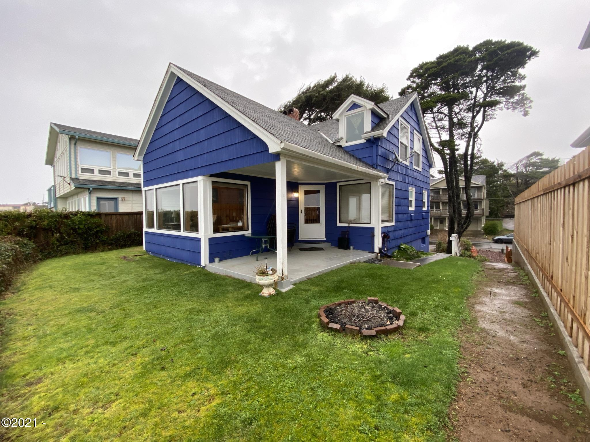 4567 SW Beach Ave, Lincoln City, OR 97367 - Exterior of home