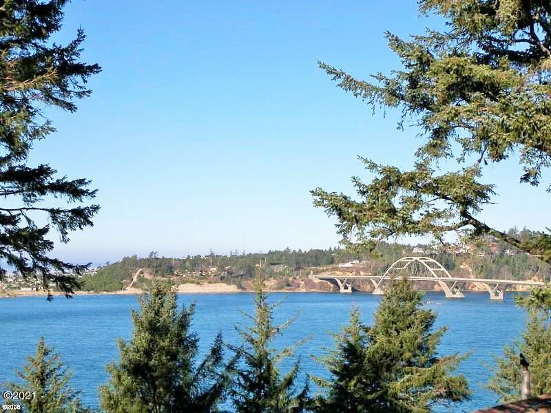1040 SW Norwood Dr, Waldport, OR 97394 - Bay and Bridge View