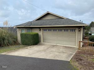 1639 NW 25th Street, Lincoln City, OR 97367 - main