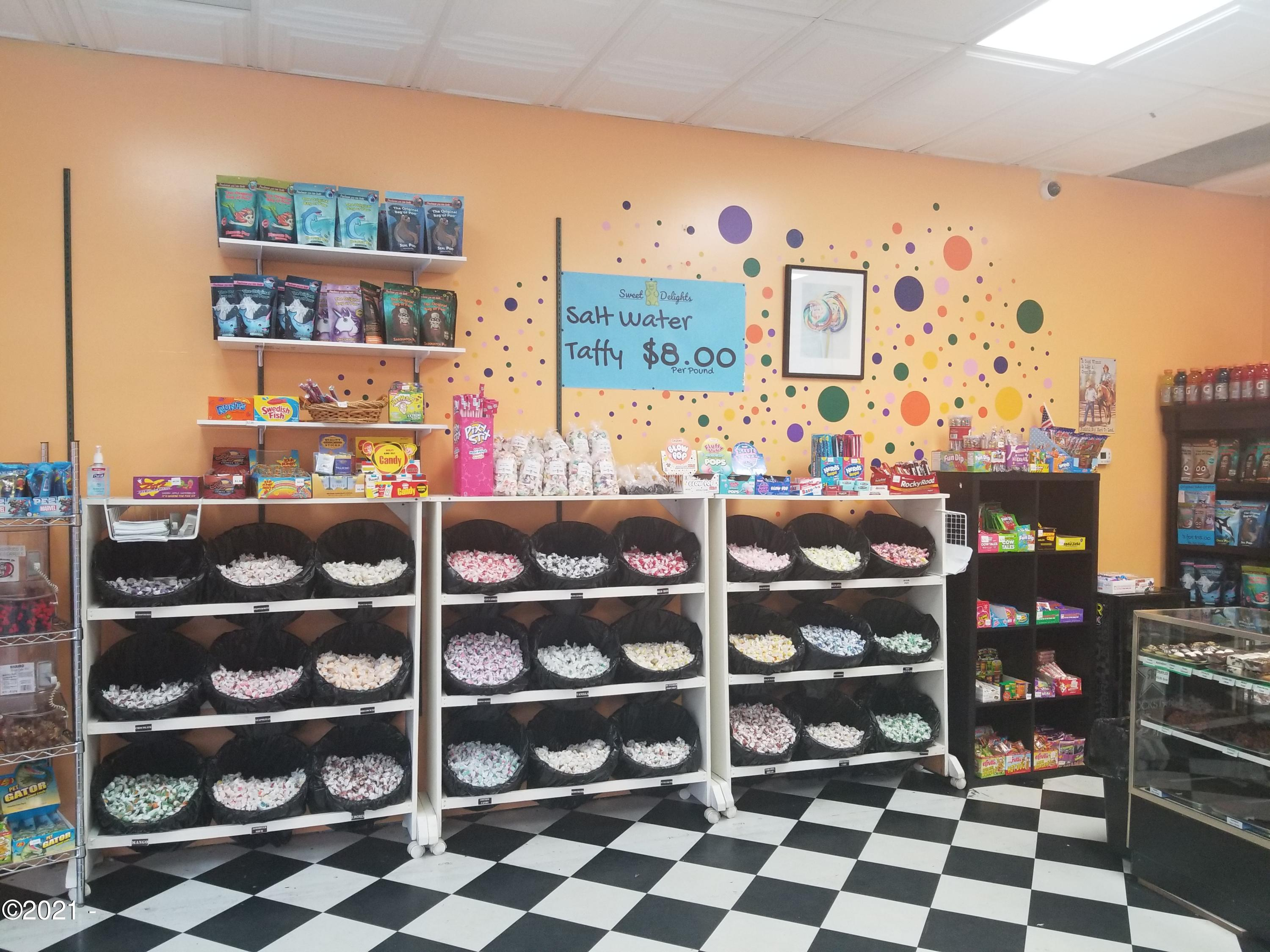1500 SE East Devils Lake Rd, 300, Lincoln City, OR 97367 - Taffy Taffy Taffy