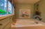 5760 El Mesa Ave, Lincoln City, OR 97367 - Jetted Master Tub