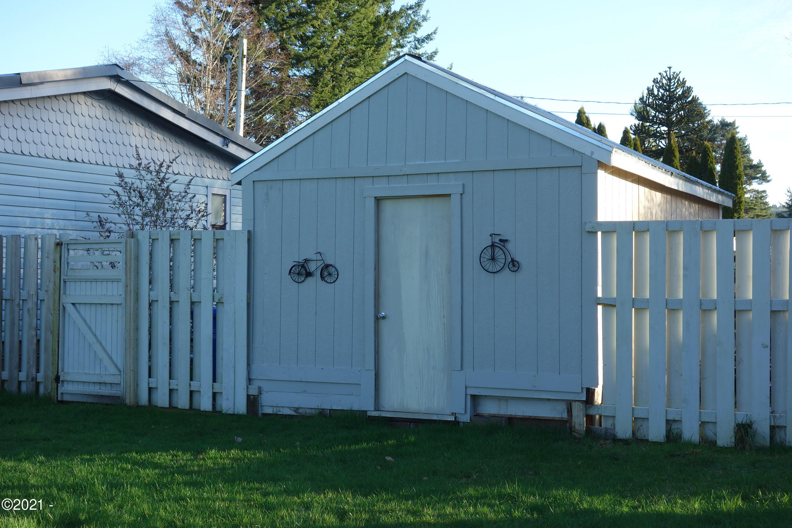 432 A St, Siletz, OR 97380 - Shed Back