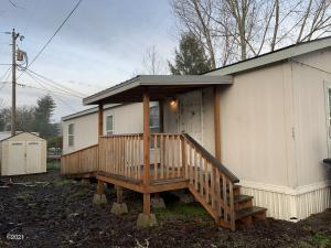 724 SW Ferry Ave, 29, Siletz, OR 97380 - Front of home