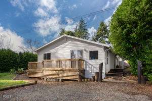 389 S Drift Creek Rd, Lincoln City, OR 97367 - Front of House