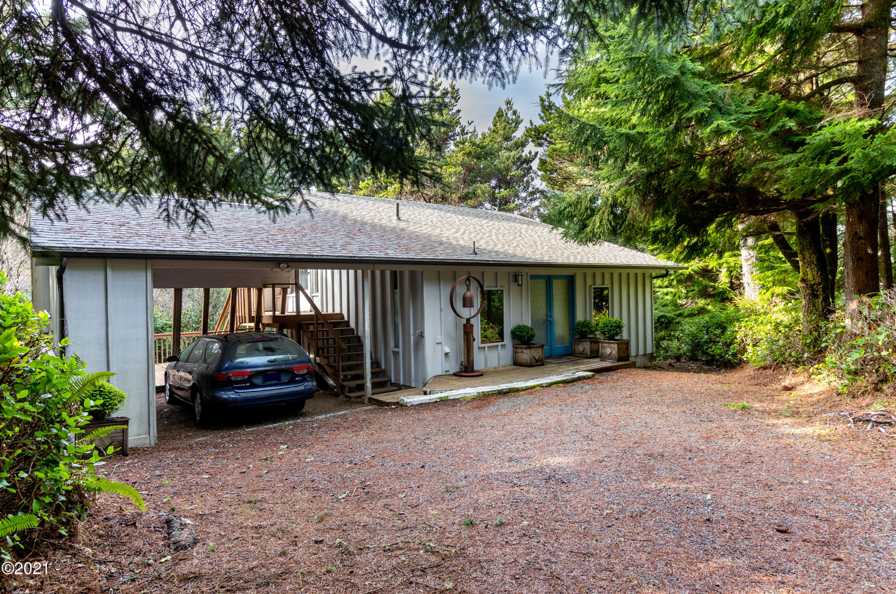 122 Ridge Crest Rd, Gleneden Beach, OR 97388