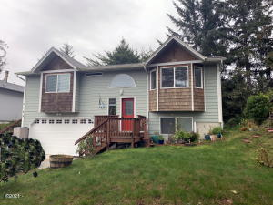 2109 NW Mokmak Lake Dr, Waldport, OR 97394 - Front