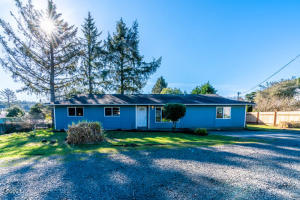 1118 SW 11th St, Lincoln City, OR 97367 - 1118 Ext front