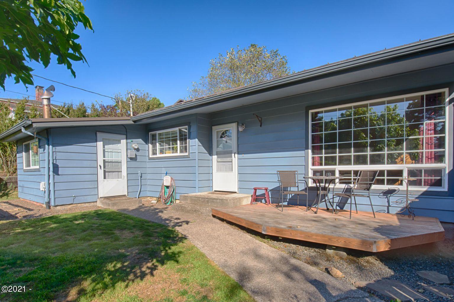 312 NW 16th St, Newport, OR 97365 - Street Exterior