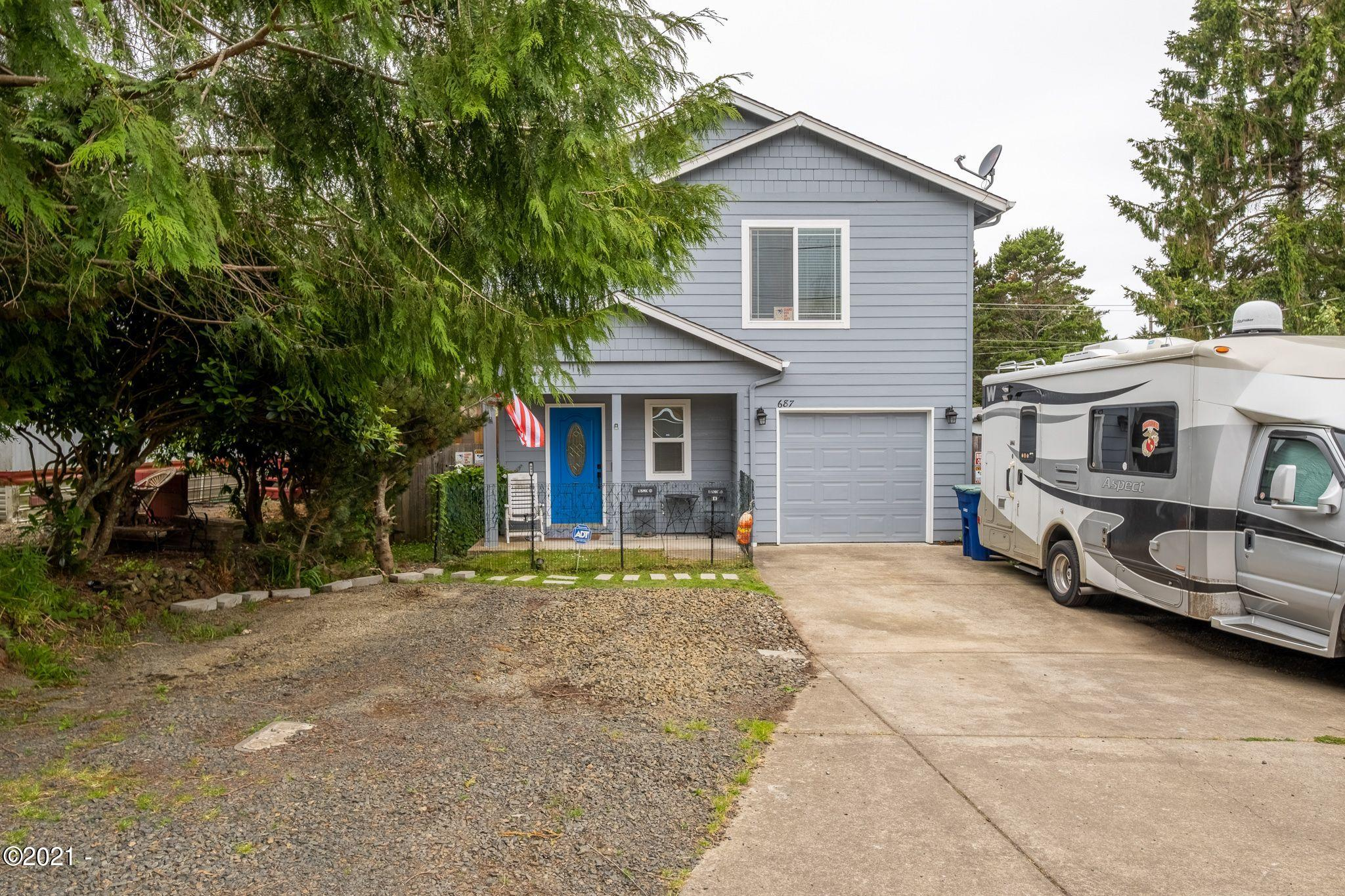 687 SE Quay Ave, Lincoln City, OR 97367 - Front