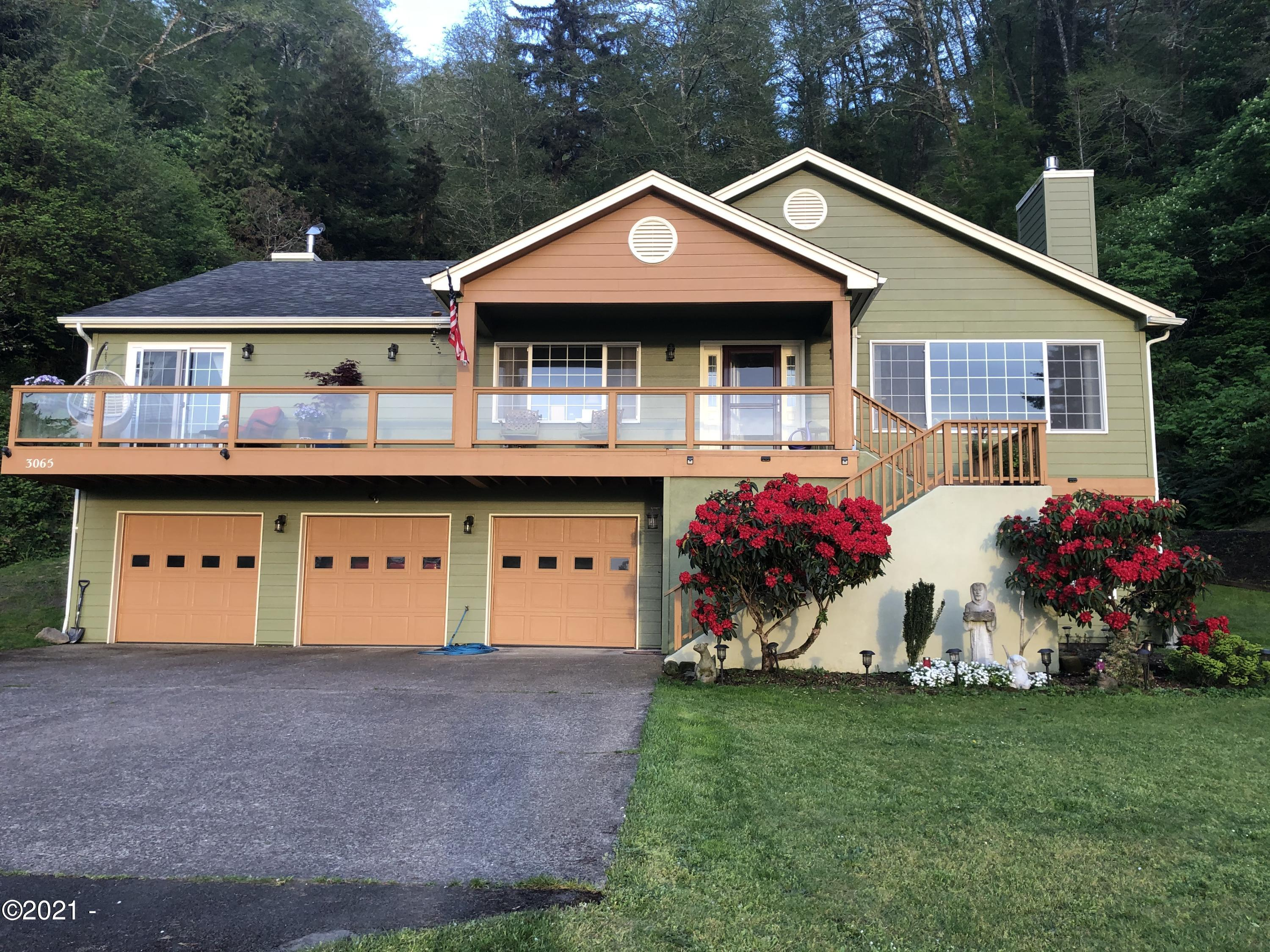3065 Yaquina Bay Rd, Newport, OR 97365 - Front of Home