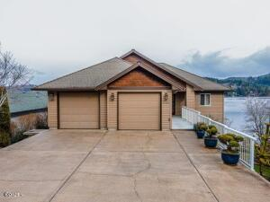 3240 NE 30th Dr, Lincoln City, OR 97367 - Exterior