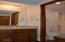 301 Otter Crest Dr, #316-7, 1/8th Share, Otter Rock, OR 97369 - Full bath off bedroom