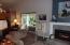 3065 Yaquina Bay Rd, Newport, OR 97365 - Living Room