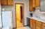 396 NW 5th St, Newport, OR 97365 - Kitcheen