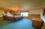 1165 SW Ocean Hills Dr, Waldport, OR 97394 - guest room