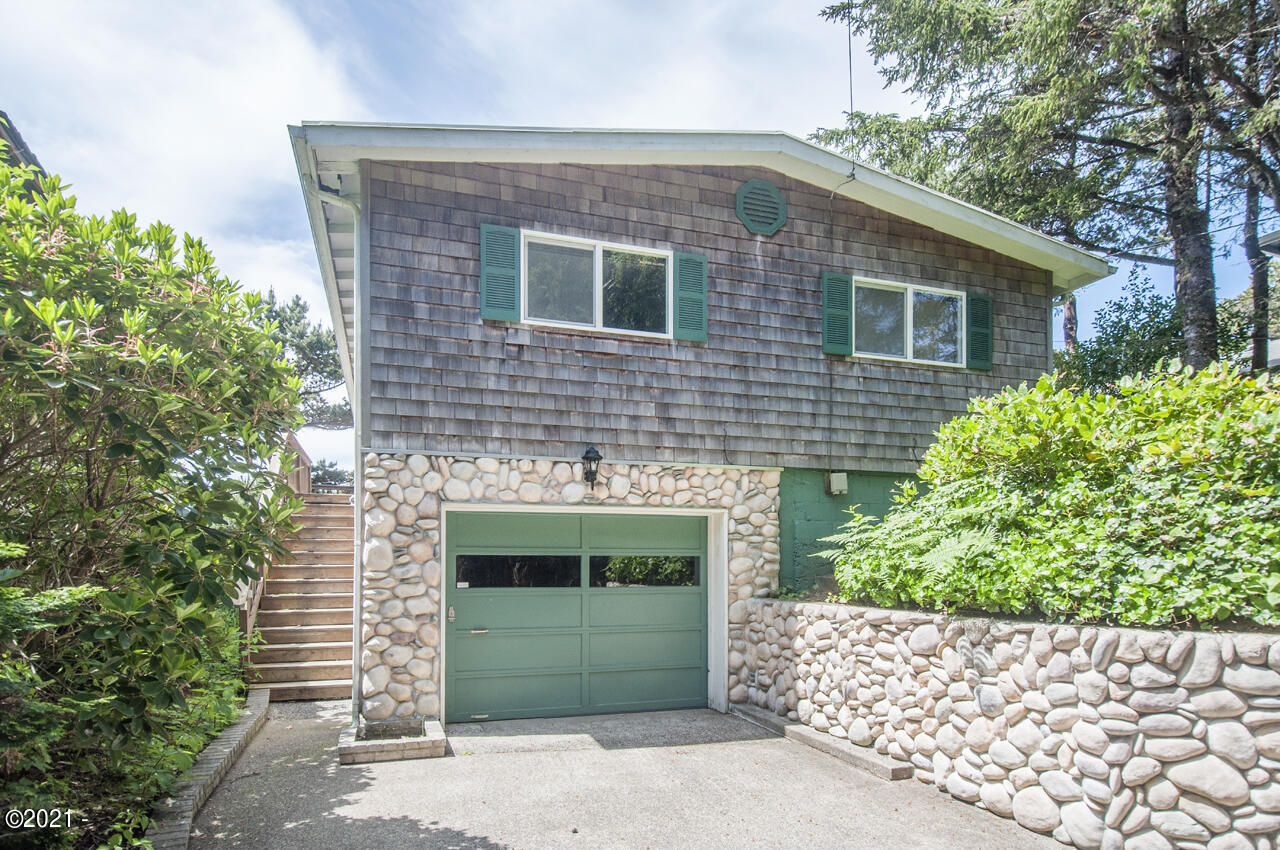 1741 SW Coast Avenue, Lincoln City, OR 97367 - Exterior - View 1