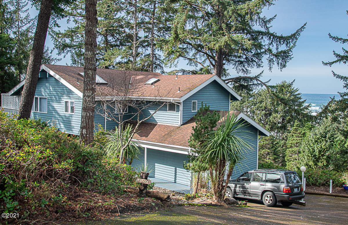 3614 NW Shore View Loop, Waldport, OR 97394
