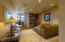 424 NW 19th Ct, Newport, OR 97365 - Wet Bar/Lounge area