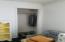 5024 SE Keel Ave, Lincoln City, OR 97367 - Closet