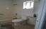 5024 SE Keel Ave, Lincoln City, OR 97367 - Full Bath