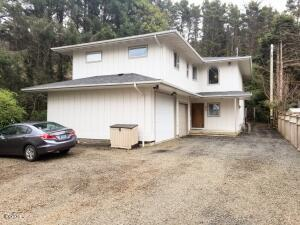 50 SW South Point St, Depoe Bay, OR 97341