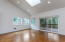 452 SE John Nye Rd, Newport, OR 97365 - Living Room