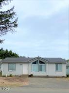 725 SE Jetty Ave, Lincoln City, OR 97367 - Exterior of home