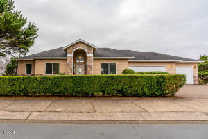 4623 NW Miramar Dr, Lincoln City, OR 97367