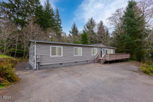 2937 NE 20th Pl, Lincoln City, OR 97367 - Front