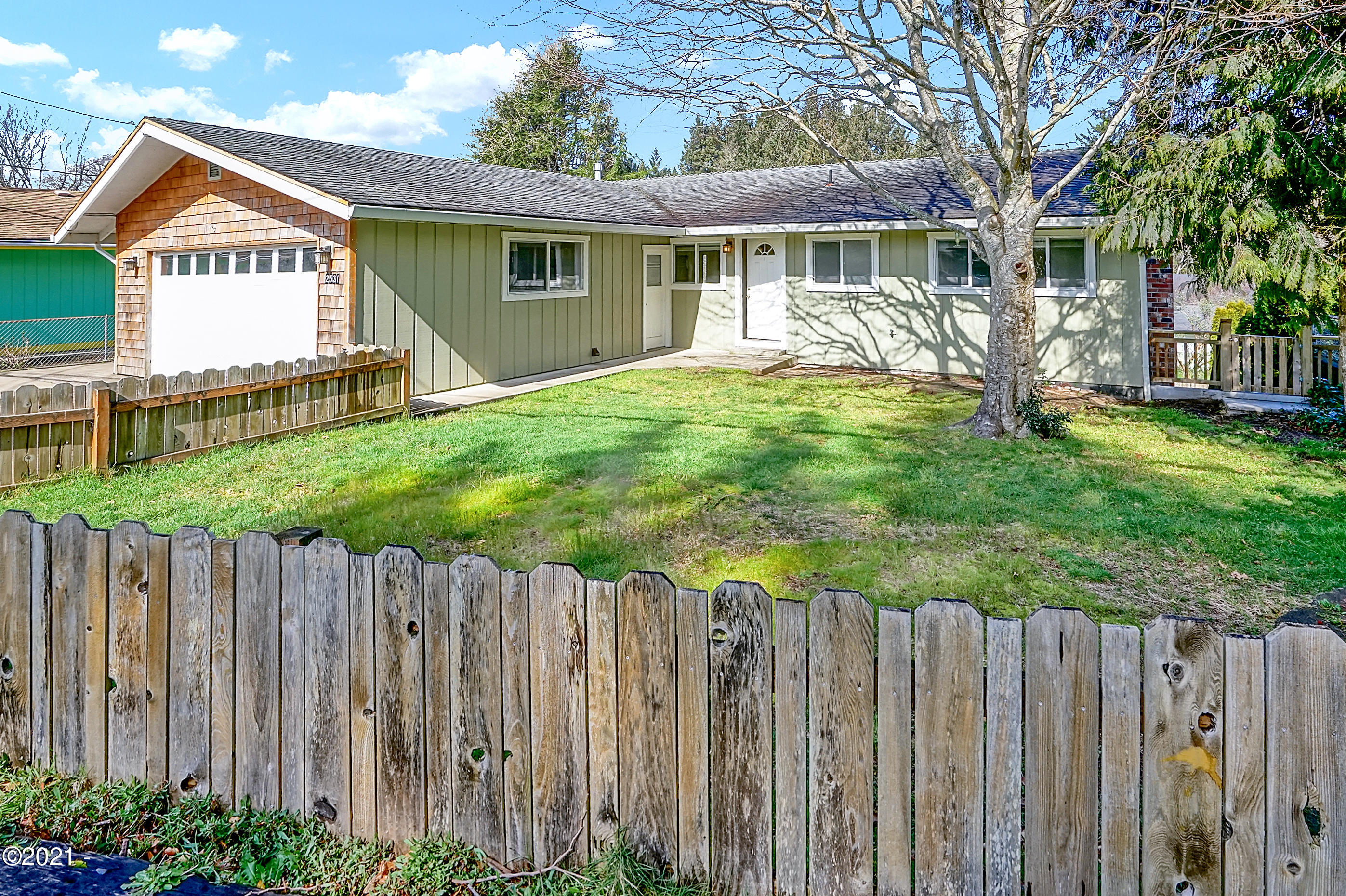2531 NE Holmes Rd, Lincoln City, OR 97367 - Front Elevation