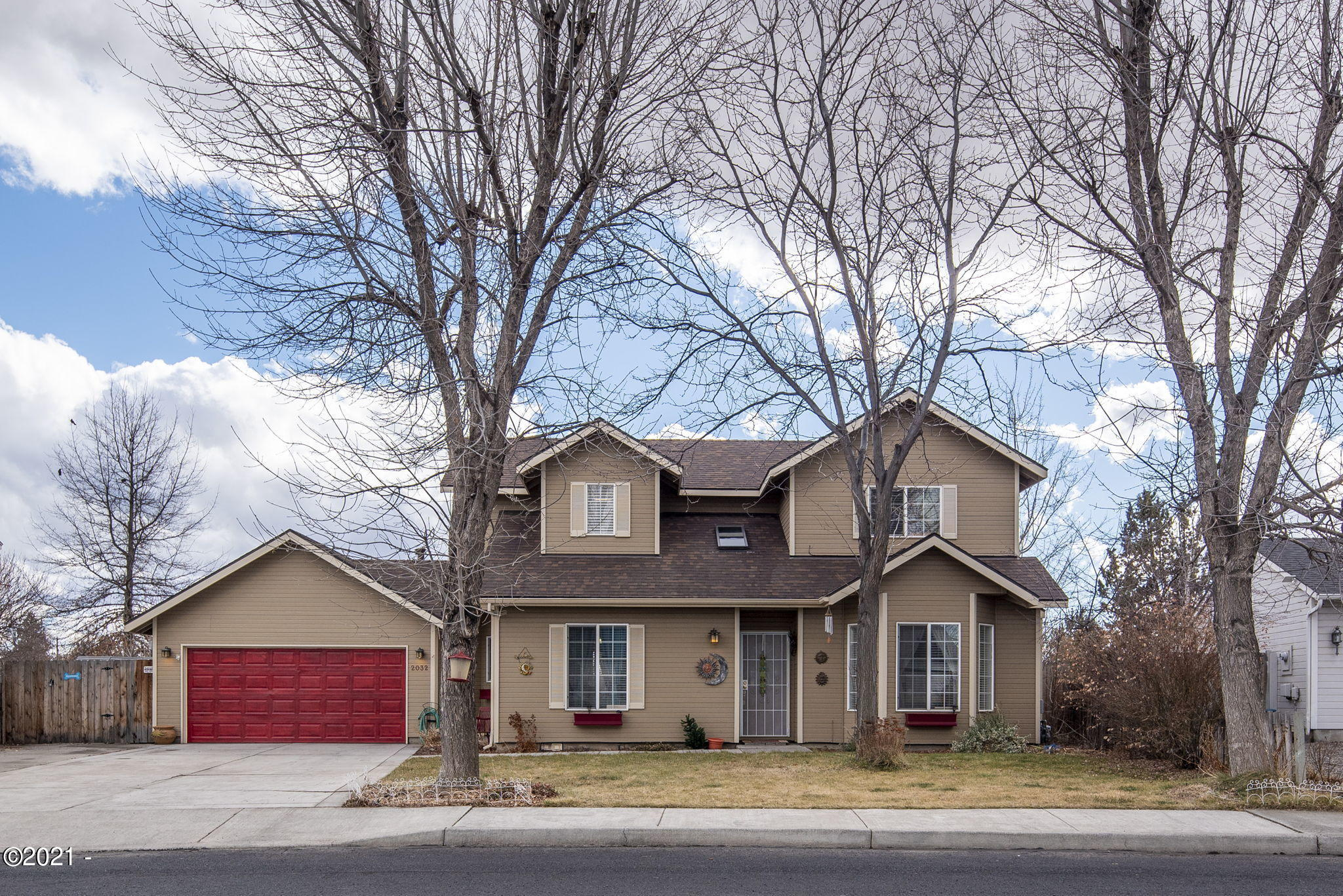 2032 NW Greenwood Pl, Redmond, OR 97756 - 1-web-or-mls-2032 NW Greenwood Place-1