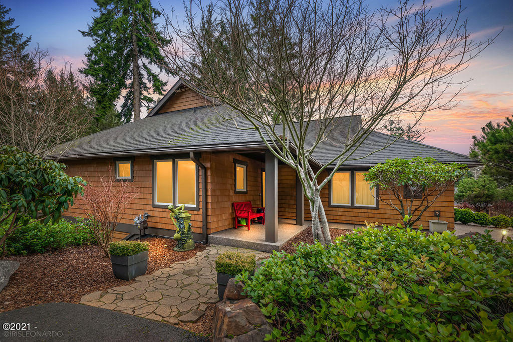 3170 NE Cascara Ct, Lincoln City, OR 97367 - Front of House