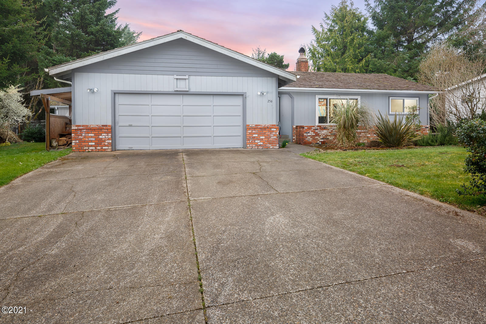 256 NE 56th Ct, Newport, OR 97365 - 256 NE 56th Ct. Newport