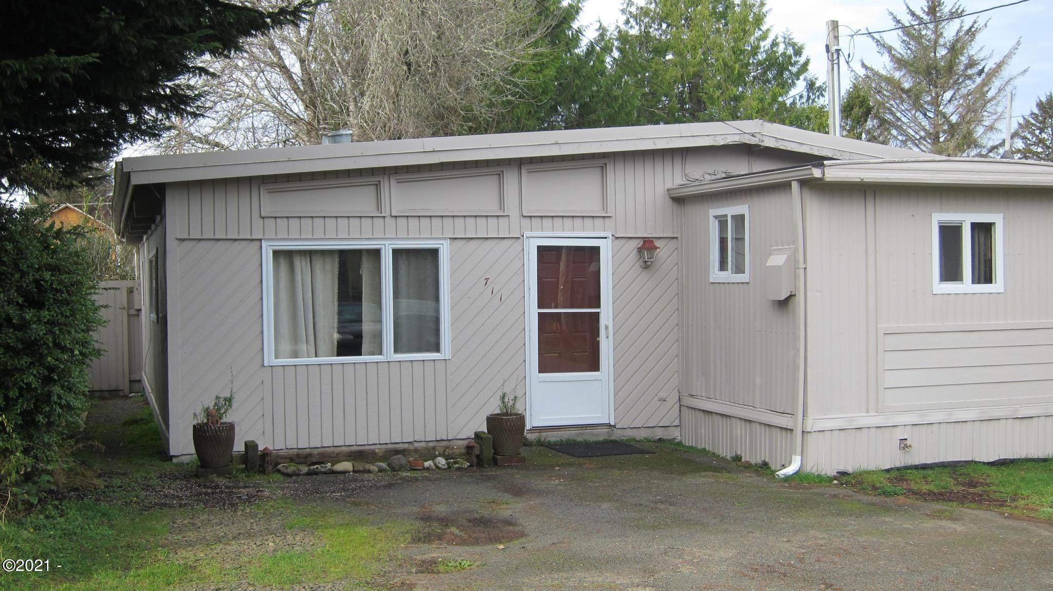 711 SE Reef Ave, Lincoln City, OR 97367 - 711 Reef - Pic Front