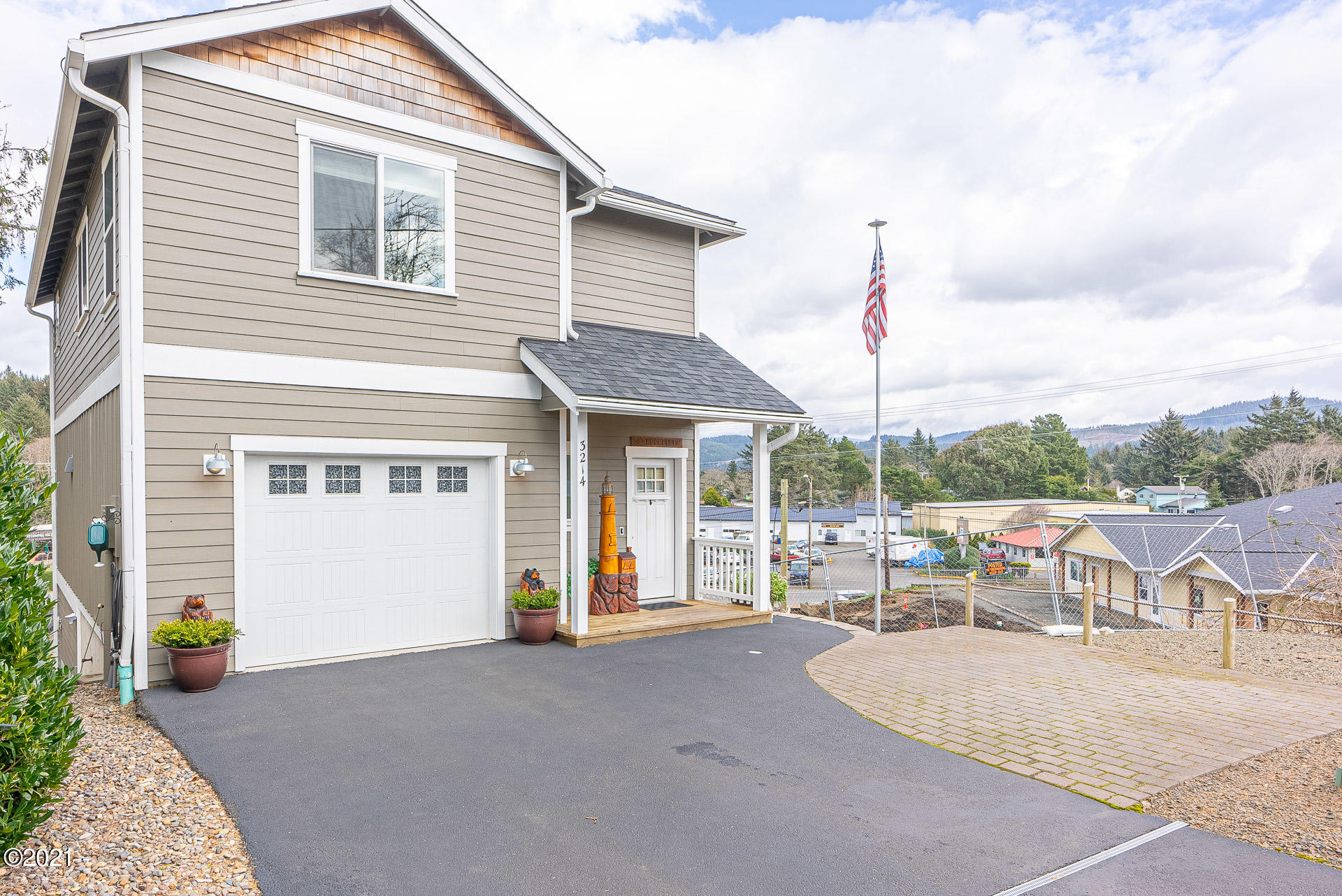 3214 NW Quay Dr., Lincoln City, OR 97367