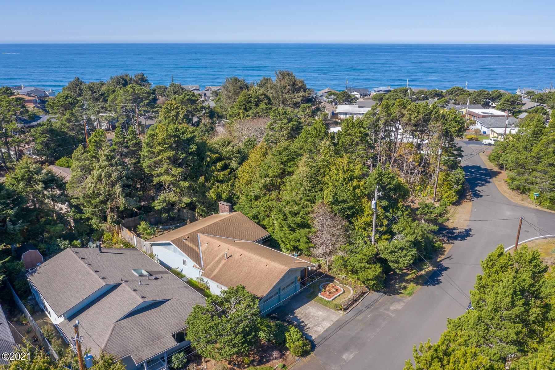 220 Coronado Drive, Lincoln City, OR 97367-5257