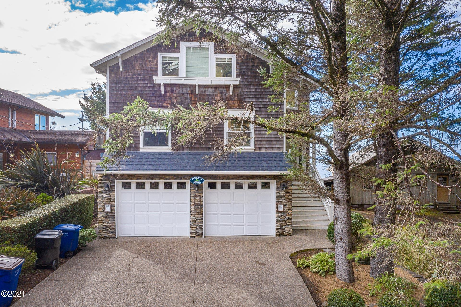 1815 SW Coast Ave., Lincoln City, OR 97367 - Curbside
