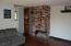 1725 NW Oceanview Dr, Newport, OR 97365 - Upper level fireplace