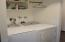 1725 NW Oceanview Dr, Newport, OR 97365 - Lower Level Washer & Dryer