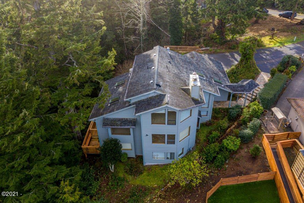 445 Summitview Lane, Gleneden Beach, OR 97388
