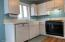 425 NW Brook St, 1, Newport, OR 97365 - Kitchen