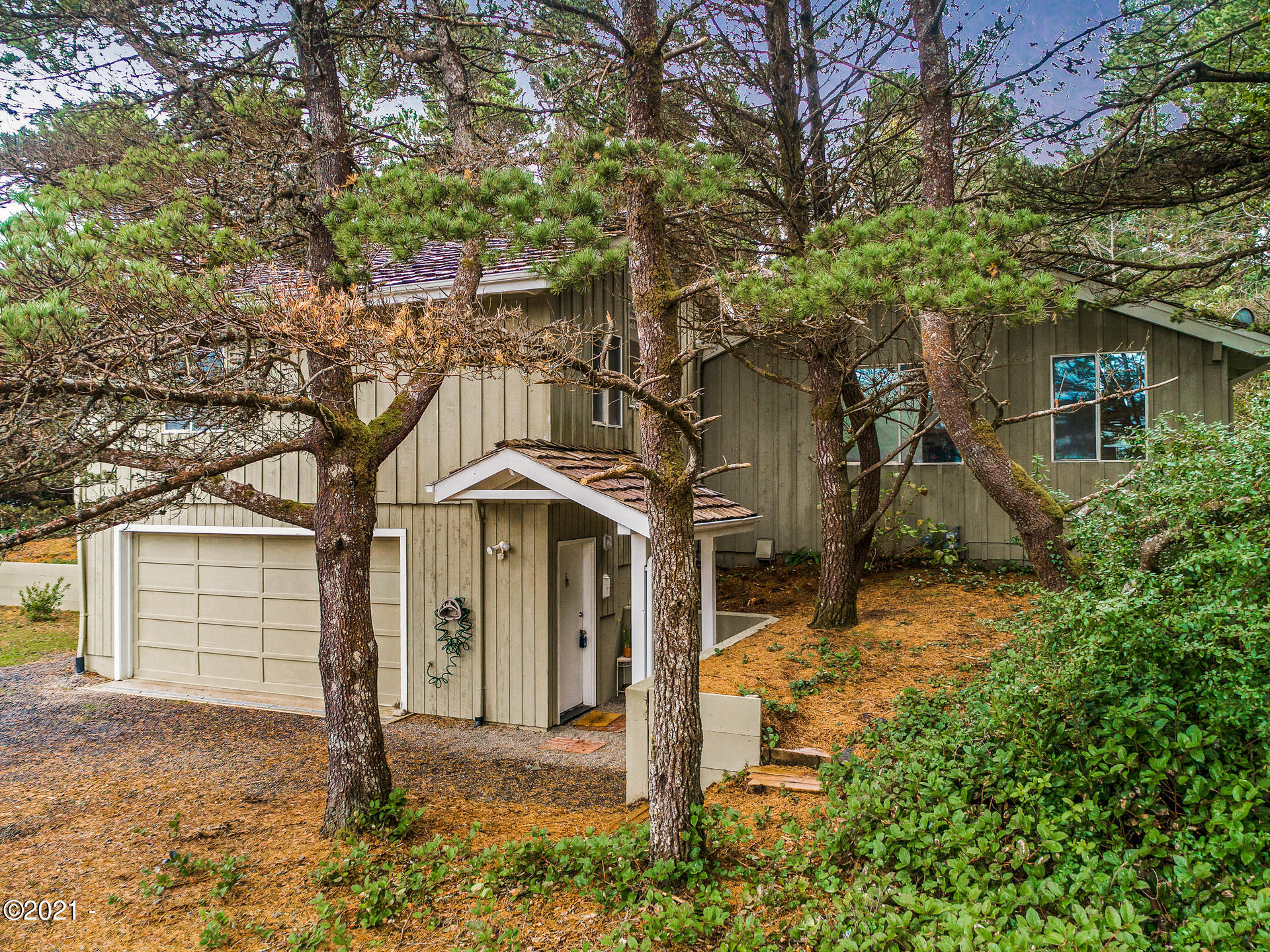 5965 Hacienda Ave, Lincoln City, OR 97367