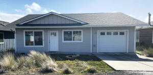 609 NW Inn Way, Waldport, OR 97394 - Front