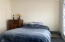 609 NW Inn Way, Waldport, OR 97394 - Guest room